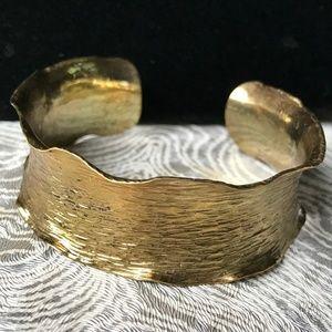 Jewelry - Vintage '90s Texturized Gold Tone Cuff Bracelet!